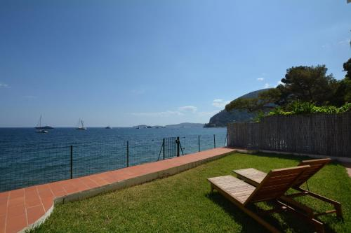 Appartement Les Pins : Apartment near Drap