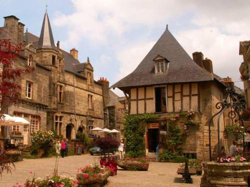 Chambre d'hôtes Pluherlin : Bed and Breakfast near Peillac