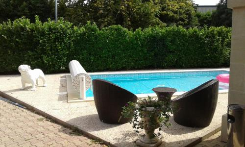 L'Etape : Bed and Breakfast near Saint-Quentin-de-Baron