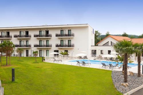 Comfort Hotel Figeac : Hotel near Faycelles