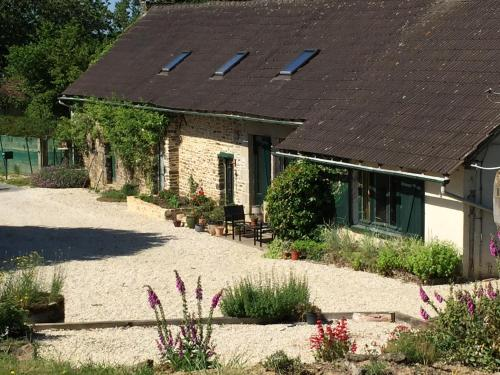 Le Nid : Bed and Breakfast near La Coulonche
