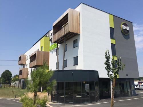 B&B Hotel Bordeaux Est : Hotel near Le Pout