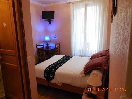 Hôtel le Petit Château (ex hotel des amis) : Hotel near Bagneux