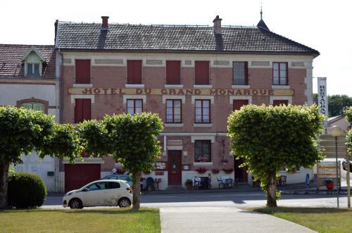 Hotel du Grand Monarque : Hotel near Courtémont