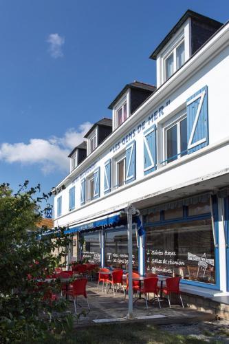 Hôtel Les Gens De Mer Lorient by Popinns : Hotel near Locmiquélic