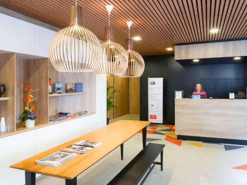 ibis Styles Caen Centre Paul Doumer : Hotel near Hubert-Folie