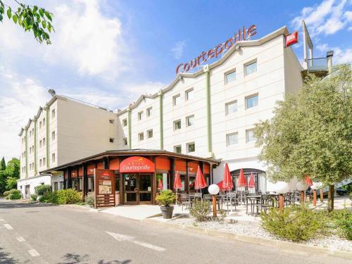 ibis Marseille Est La Valentine : Hotel near La Penne-sur-Huveaune