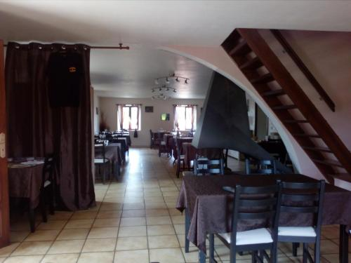 Auberge de Cadenas : Guest accommodation near Peyreleau