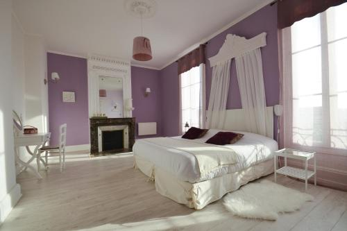 Le Petit Domaine de Colayrac : Bed and Breakfast near Lusignan-Petit