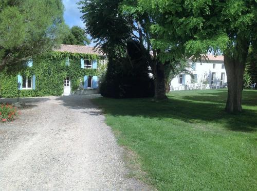 Auberge de Leylandy : Guest accommodation near L'Éguille