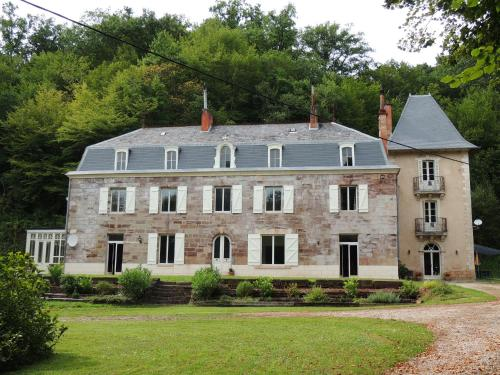 La Tour du Chambon : Apartment near Brignac-la-Plaine