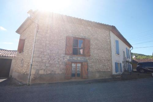 Vacation Home on Rue De La Bordette : Guest accommodation near Saint-Jean-d'Aigues-Vives
