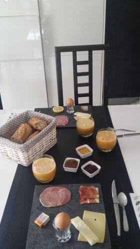 Comme a la maison : Bed and Breakfast near Agde