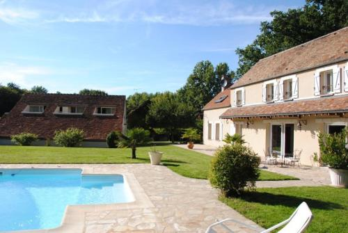 Villa Dikaria : Bed and Breakfast near Saint-Loup-d'Ordon