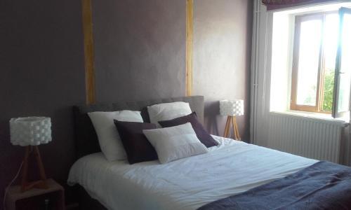 La Bôn'Source Chambre d' Hôtes : Bed and Breakfast near Massieu