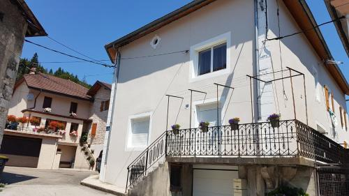 Studio des Hannetons : Apartment near Nantua