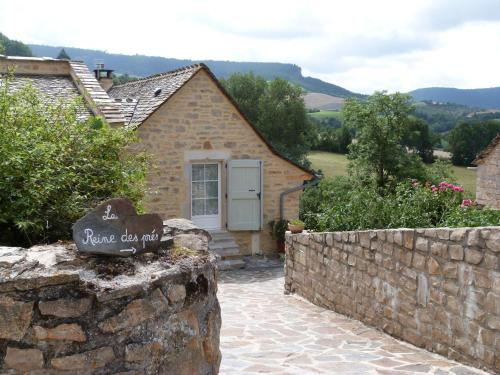 La Reine des pres : Bed and Breakfast near La Canourgue