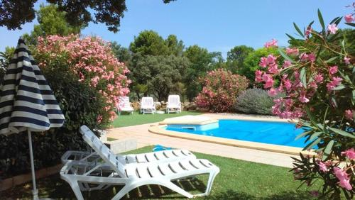 Le Pavillon : Guest accommodation near Aigues-Vives