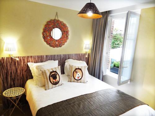 Le Pavillon Hotel : Hotel near Paris 7e Arrondissement