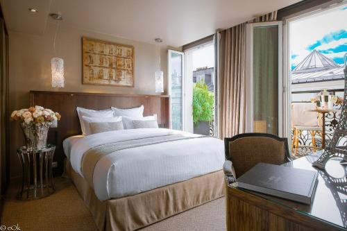 B Montmartre : Hotel near Paris 17e Arrondissement