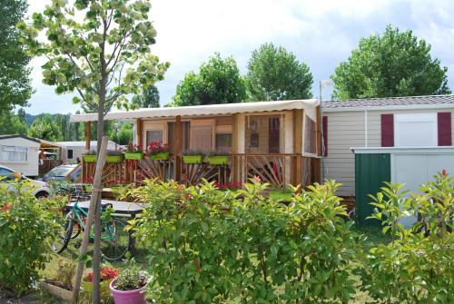 Mobilhome Luxe Climatisé : Guest accommodation near Les Haies
