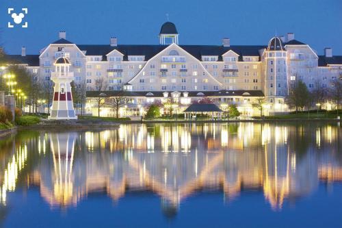 Disney's Newport Bay Club® : Hotel near Chalifert