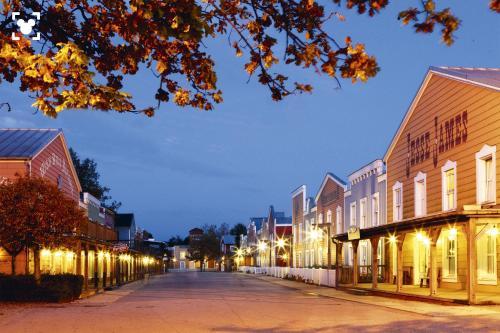 Disney's Hotel Cheyenne® : Hotel near Chalifert