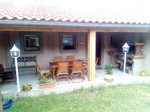 La Doulce Vita : Bed and Breakfast near Lacrouzette