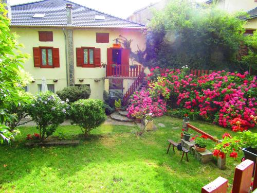 Aucairn : Guest accommodation near Celles