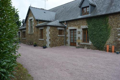 Mont Saint Michel Farmhouse : Guest accommodation near Saint-Georges-de-Reintembault
