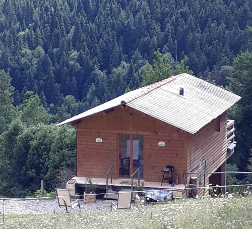 Cabane : Guest accommodation near Chomelix