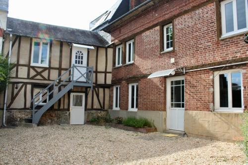LES OISEAUX (L'HIRONDELLE) : Apartment near Bihorel