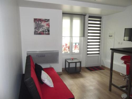 Copropriété les Iris : Apartment near La Tour-en-Jarez