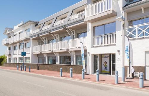 Holiday Suites La Brise Des Dunes : Apartment near Bray-Dunes