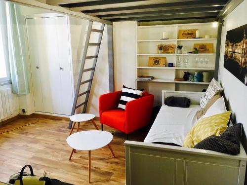 Victoire de Sauteyron : Apartment near Talence