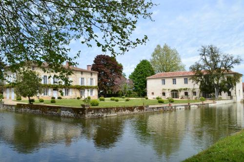 DOMAINE de la PARTOUCIE : Bed and Breakfast near Saulgond