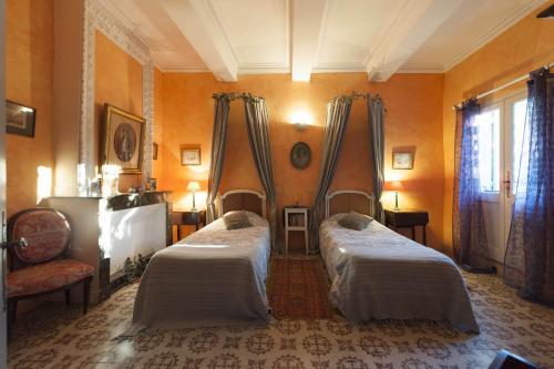 chambre d'hote entre Uzes et le Pont du Gard : Bed and Breakfast near Collias