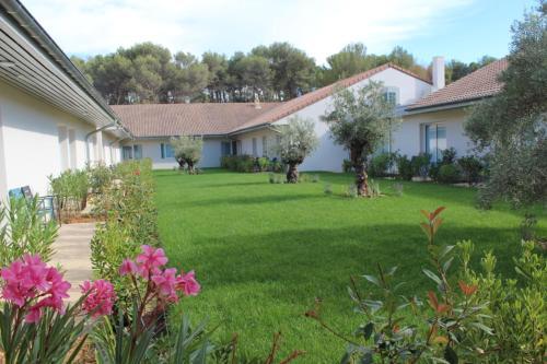 Kyriad Résidence Cabriès - Plan de Campagne : Guest accommodation near Septèmes-les-Vallons