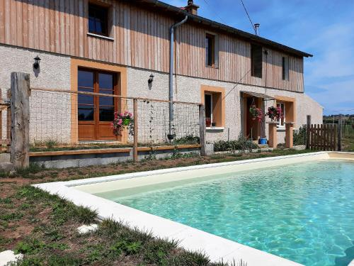 La ferme du Bouton d'Or : Bed and Breakfast near Perreux