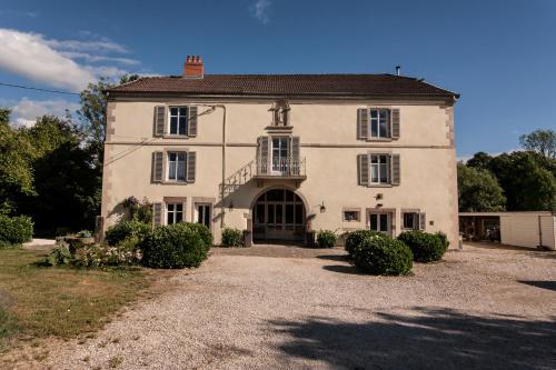 La Maison au Vert : Apartment near Montcourt