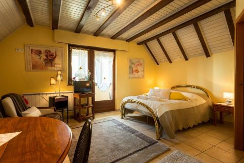 Domaine Bleesz : Bed and Breakfast near Saint-Maurice