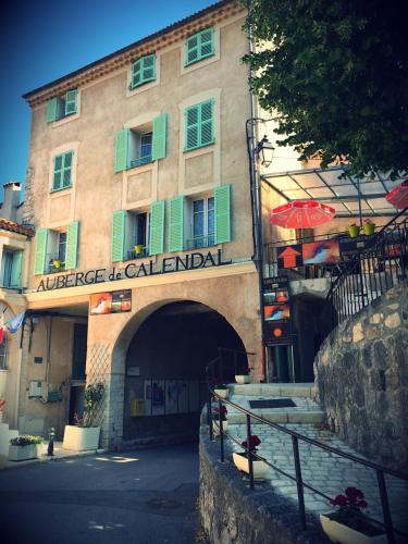 Auberge de Calendal : Guest accommodation near Aiglun