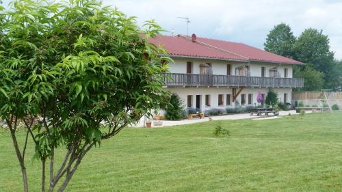LA GRANGE DE HAUTE-JOUX : Guest accommodation near Verrières-de-Joux