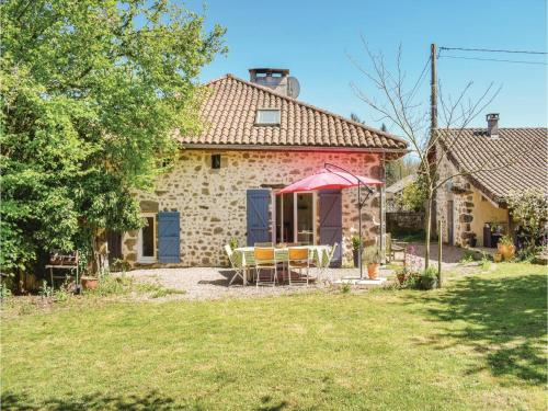 Three-Bedroom Holiday Home in Marval : Guest accommodation near Cussac
