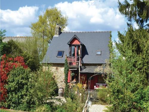 One-Bedroom Holiday Home in St Marie du Bois : Guest accommodation near Saint-Denis-de-Villenette