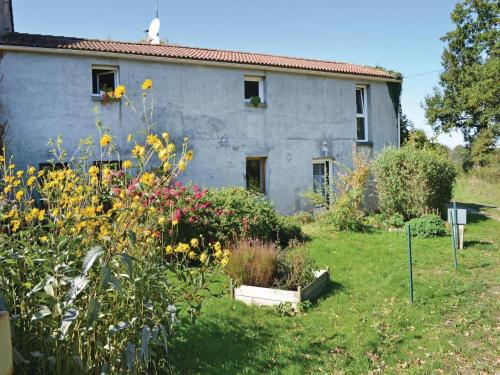 Holiday Home St Avaugourd Des Lande 08 : Guest accommodation near La Roche-sur-Yon
