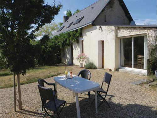 Holiday Home Le Louroux-Beconnais Le Louroux-Beconnais : Guest accommodation near Aviré