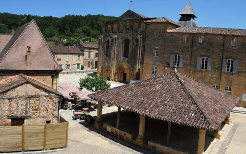 Les Songes de l'Abbaye : Bed and Breakfast near Labouquerie