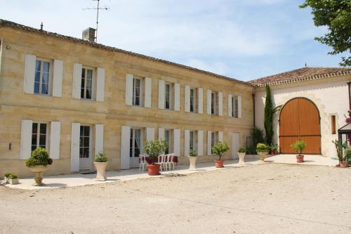 La Demeure de Bayard : Guest accommodation near Saint-Hippolyte