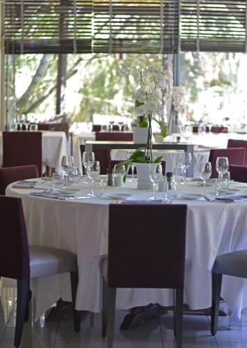 Logis Hotel Le Relais de Comodoliac : Hotel near Vayres